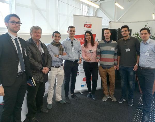 Photo des 4 étudiants en mobilité entrante avec leurs accompagnateurs lors de la première phase du challenge à Rouen