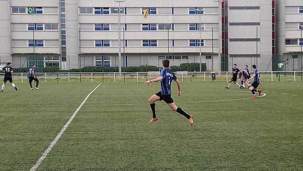 Photo équipe Supméca- football - aux EAG