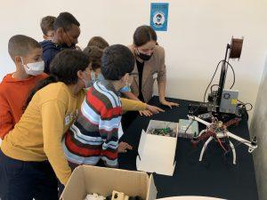 Atelier robotique pour les enfants lors de la fête de la science